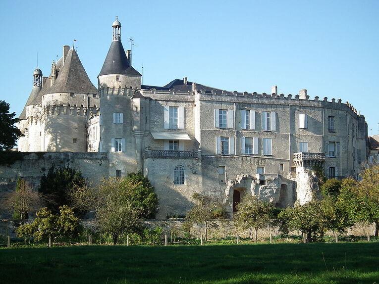 Chateau Jonzac.jpg