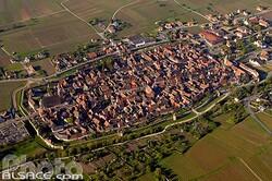 Le village de Bergheim vue du ciel. (Alsace.com)