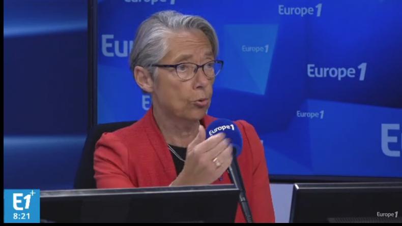 """Elisabeth Borne demande aux concessionnaires autoroutiers de """"faire un effort"""" sur la hausse des prix du péage."""