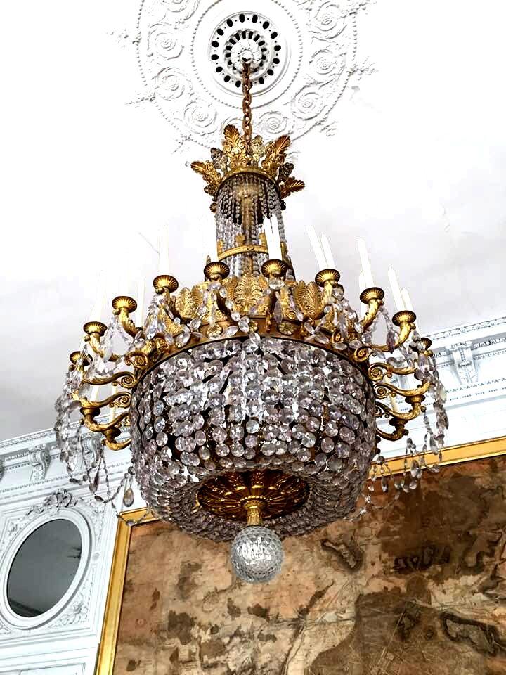 Suite du palais Compiègne.