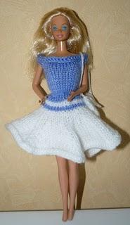 barbie-robe-bleue-et-blanche-facon-tennis-woman-.jpg