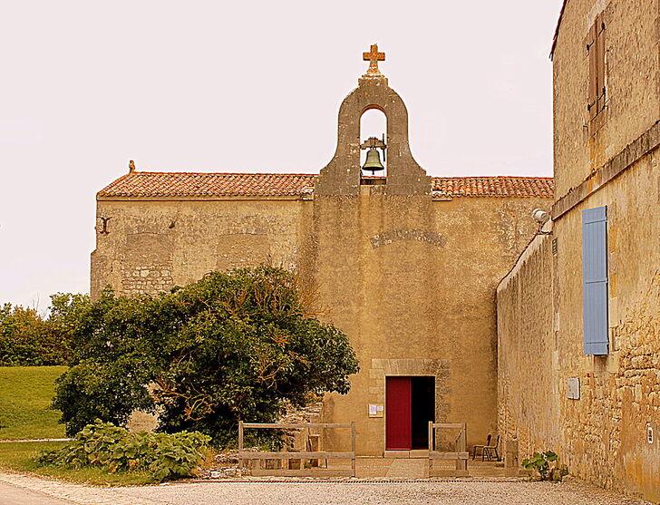 W0160-IleDAix EgliseAbbatialeStMartinXI°-XII° 43723-p.JPG