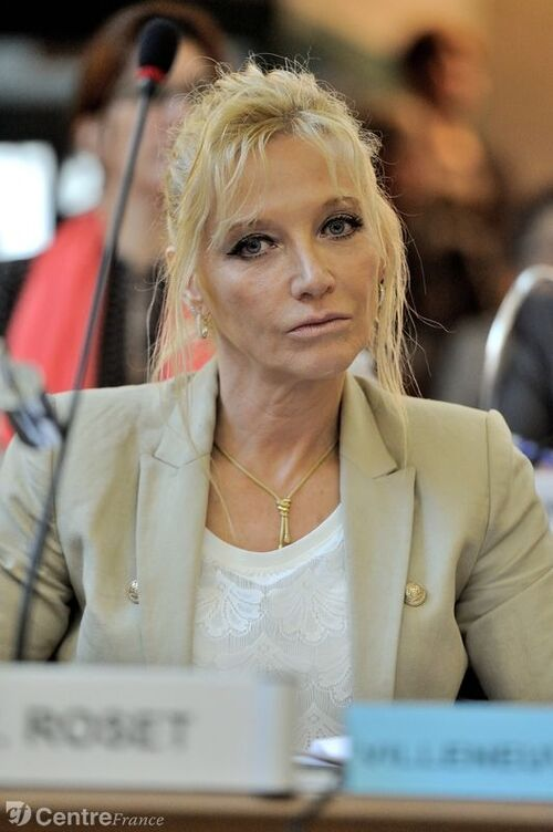 Il y a 1 an ...Erika Roset du Front National
