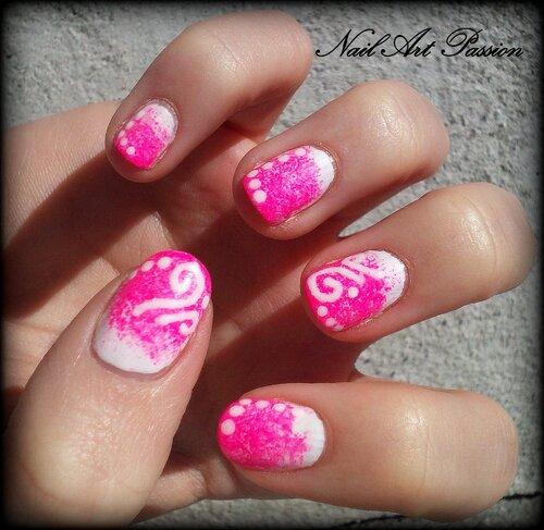 Nail art rose et spirales !