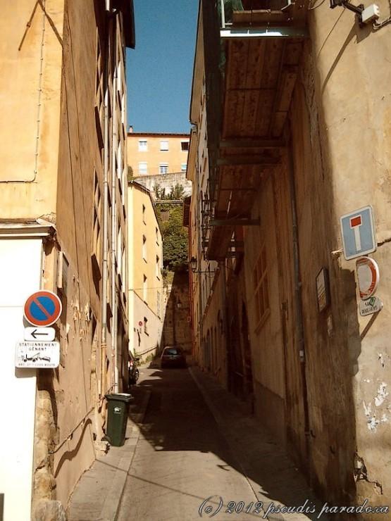 passage1.jpg