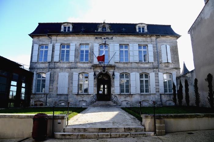 """Résultat de recherche d'images pour """"mairie Barbezieux-Saint-Hilaire"""""""