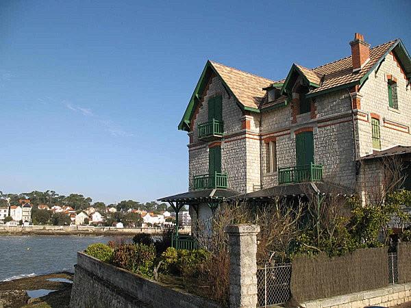 villa à st palais (film noyade interdite)