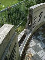 Woluwe1200 : Le monument aux morts encore et toujours à l'état de puzzle