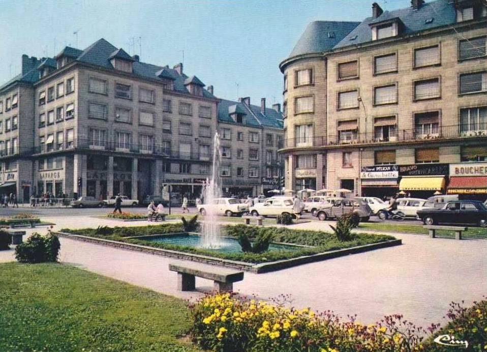 Place Gambetta au fil des années
