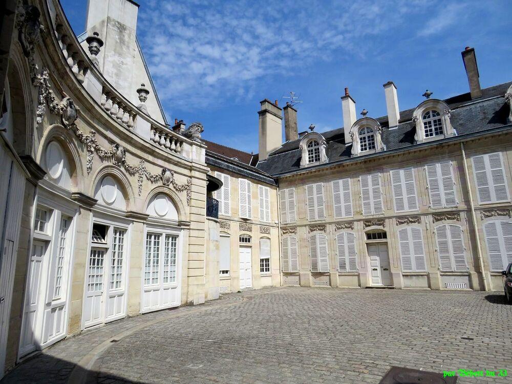Dijon en Cote d'Or -2