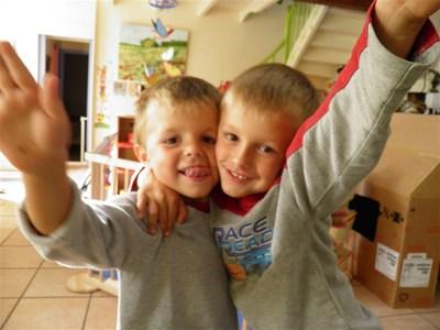 Blog de sylviebernard-art-bouteville : sylviebernard-art-bouteville, Hugo, Mattéo et Nohan - SEPTEMBRE 2012