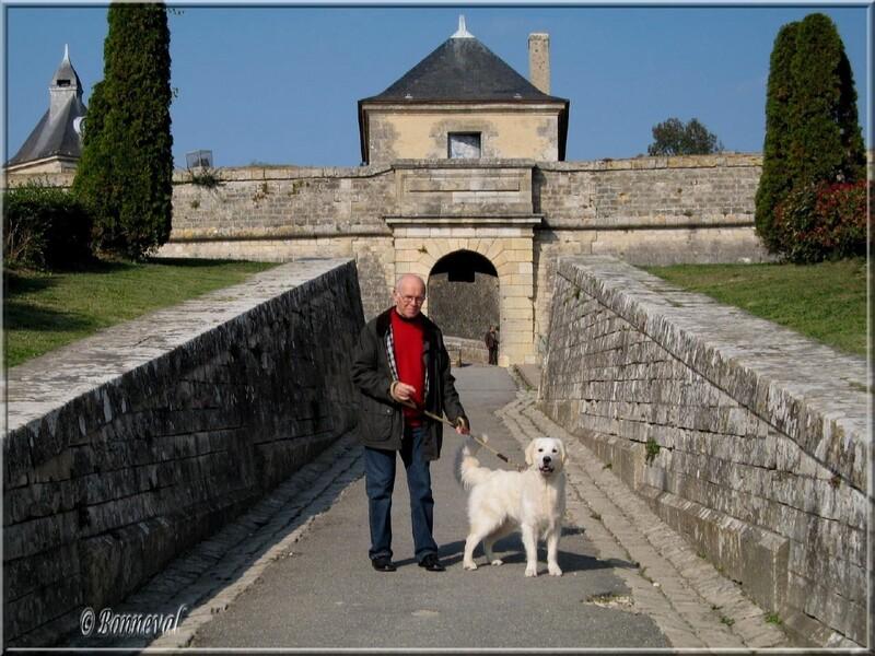 Citadelle de Blaye la Porte Dauphine et le premier pont-dormant