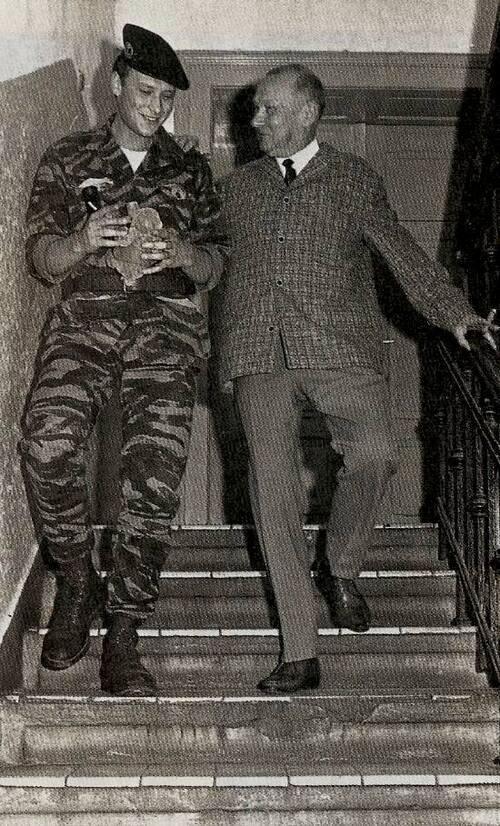 Johnny et son père, Léon Smet en 1964