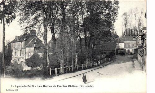 LES REMPARTS DE LYONS-LA-FORÊT (Eure)