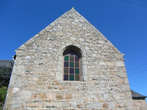 La chapelle commence à faire peu noeuve