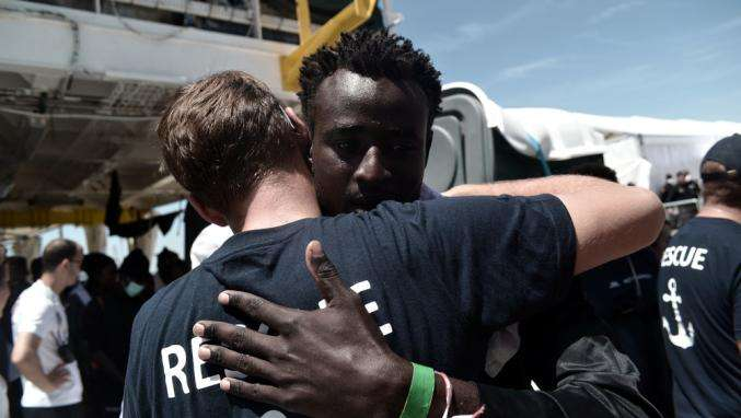 """""""Aquarius"""" : 78 réfugiés secourus par le bateau humanitaire sont arrivés en France"""
