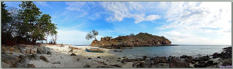 Sur le soir, le passage dans les rochers pouvant se faire sans risques grâce à la marée basse, je décide de partir honorer les rois Sakalavas des îles Mitsio - Tsarabanjina - Madagascar