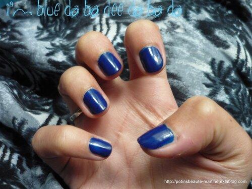 I'm blue (Da Ba Dee) : mes ongles bleus avec Sephora