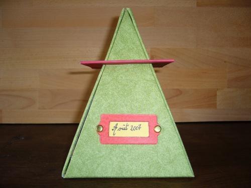 Album scrap pyramide