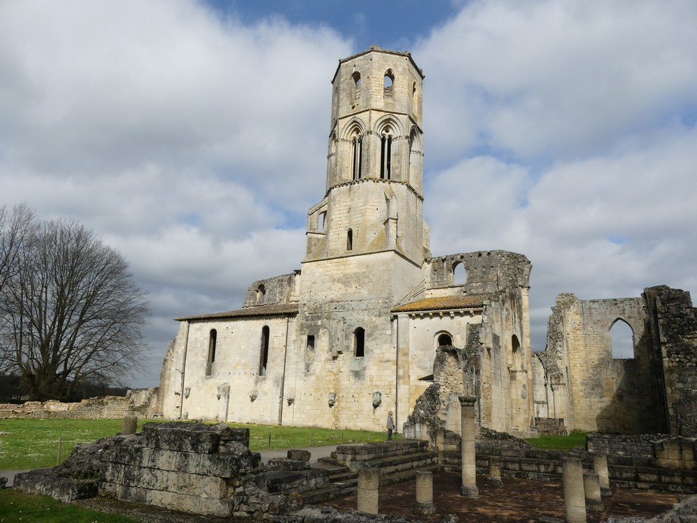 Balade dans l'Entre-Deux-Mers : l'abbaye de la Sauve Majeure...