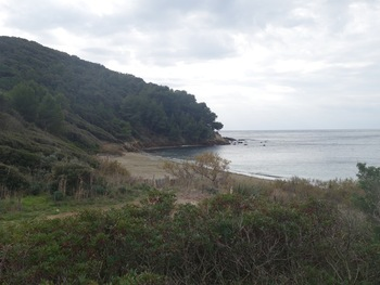 En quittant la plage du Brouis