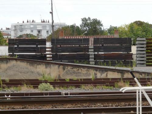 La SNCF, le bois créosoté et les nuisances.