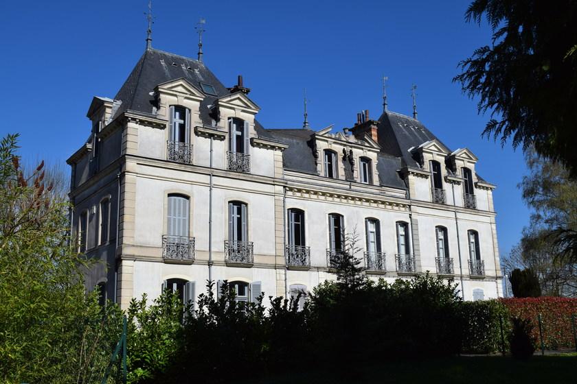 Chateau de Norges.jpg
