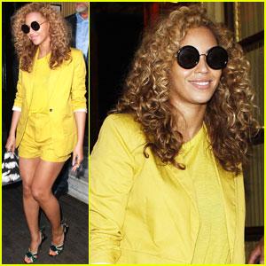 Beyonce, Jay Z & Blue in paris
