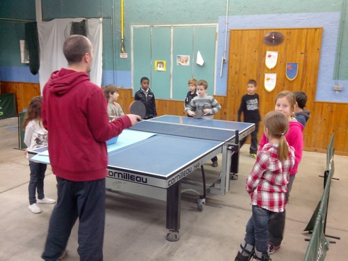 Tennis de table pour les classes de Ce2/Cm1