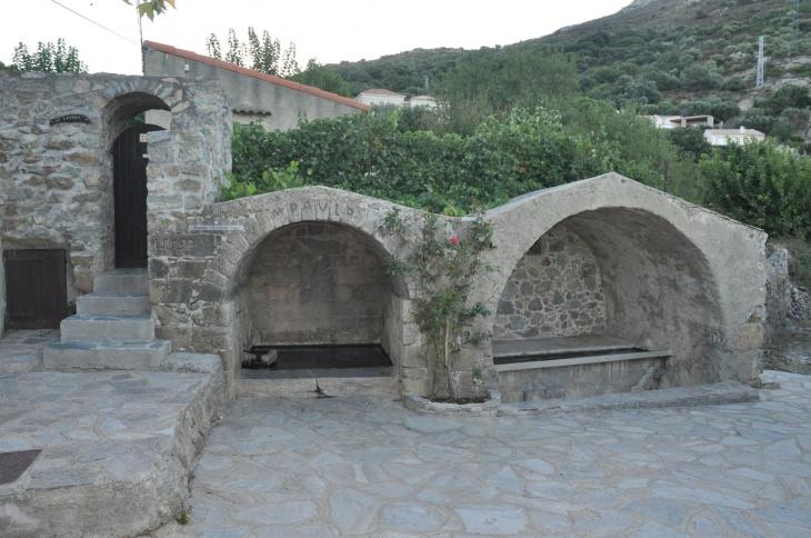 Fontaine Di a Leccia 1559 - Corbara