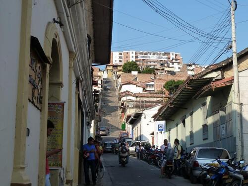 Petite pose à San Gil le rendez vous des sports extrêmes et des rues au dénivellé de fous