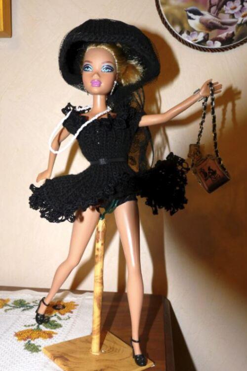 """Barbie: créations/stylistes 2015 """"La petite robe noire"""" (14)"""