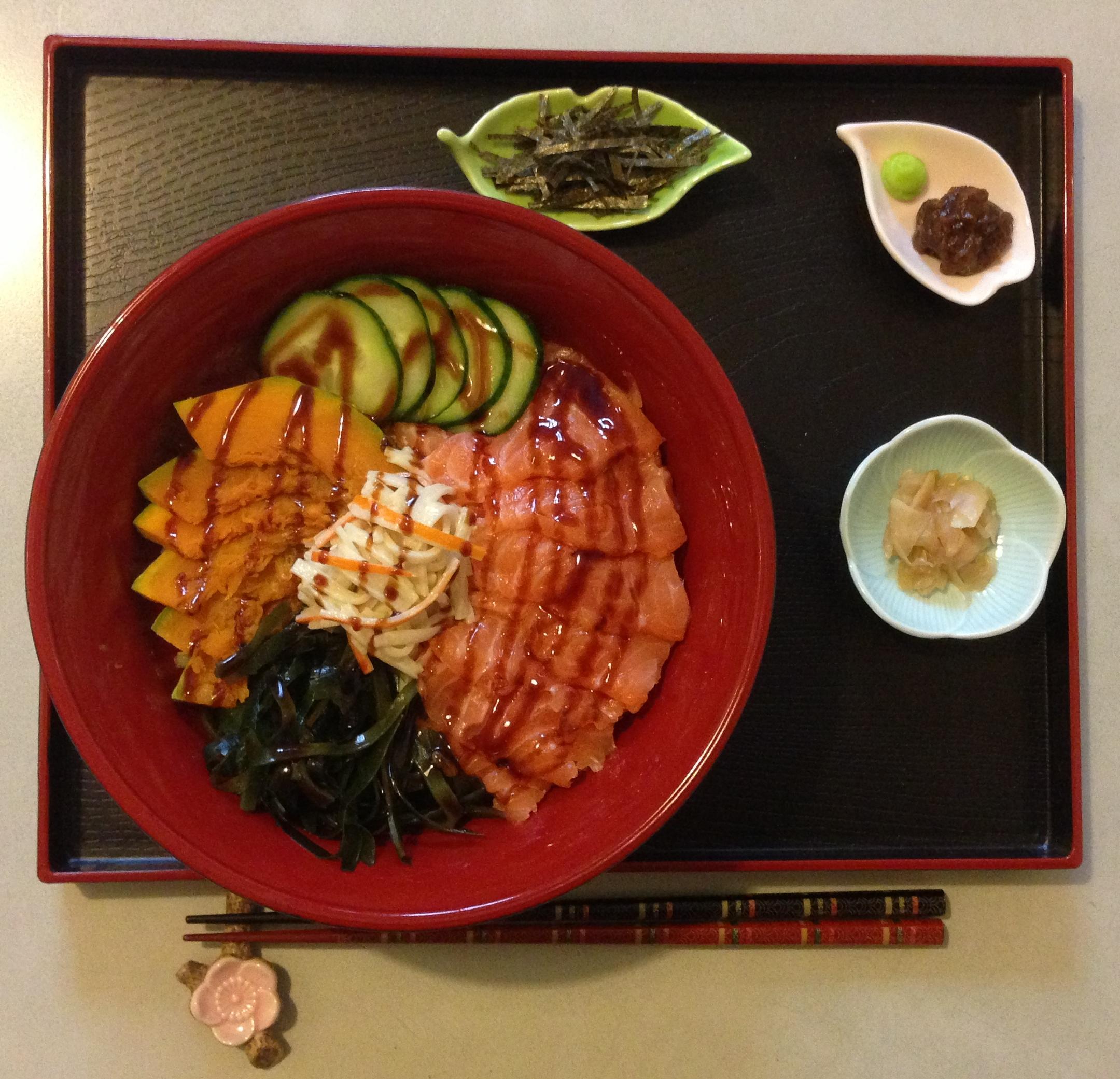 Chirashi Zushi ちらし寿司 Bol De Riz Assaisonne Avec Saumon