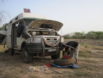 Mali Chutes de Farako Jeff répare sa roue
