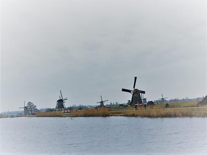 Au pays des moulins.
