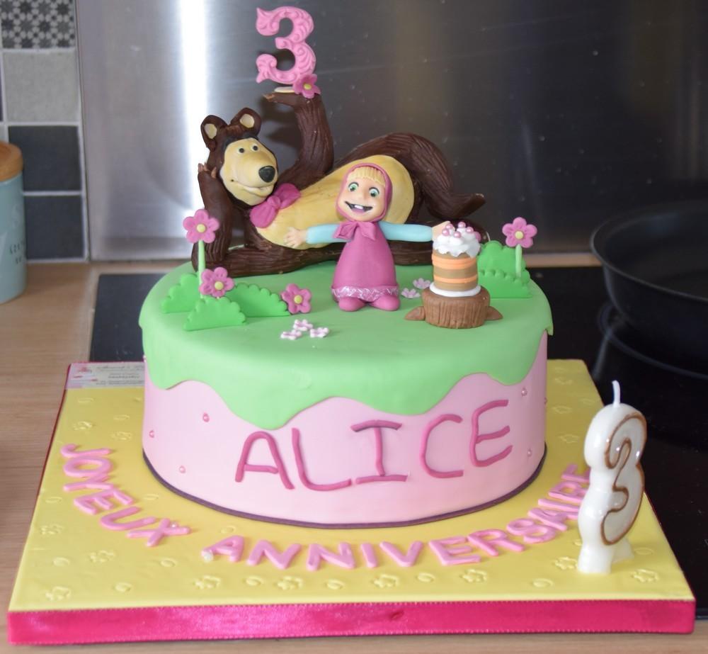 """Le gâteau d'anniversaire """"Masha et Michka"""" d'Alice..."""