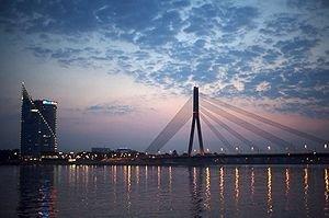 300px-Riga Bridge by Twilight