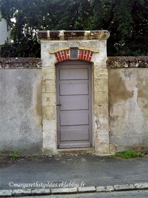 Porte de quoi ? - Door of what ?