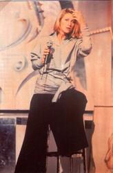 12 mai 1984 / CHAMPS-ELYSEES - 3 nouveautés