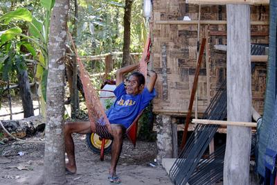 Blog de images-du-pays-des-ours :Images du Pays des Ours (et d'ailleurs ...), Hamac bis.... Mais ici cest un laotien - Done Det - Laos