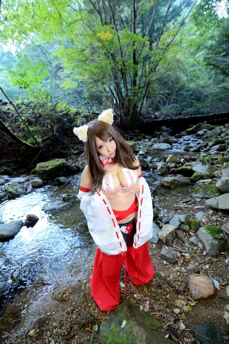 Models Cosplay : ( [Shooting Star's] - |COMICMARKET89 ( C89 )| Saku/サク : Sakusaku Paradise in Mizuryukei Land )