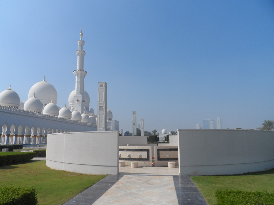 ABU  DHABI  MOSQUEE  SHEIKH  ZAYED  (Photos d'une amie fevrier 2018)