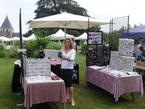 Exposition de mes bijoux au marché d'été de Domitys à Amboise