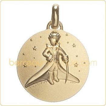 medaille-le-petit-prince-dans-les-etoiles