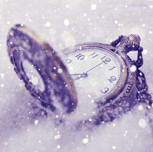 L'heure tourne, la vie continue et s'arrête toutes les secondes ♥