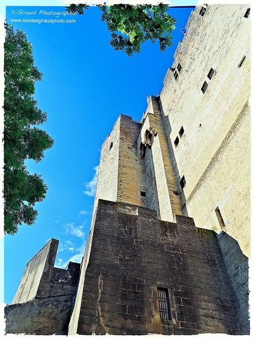 Crest la médiévale et son donjon...