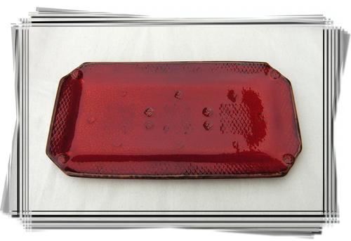 Plats à cake rouges