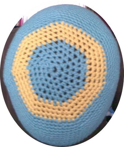 Bonnet jaune et bleu