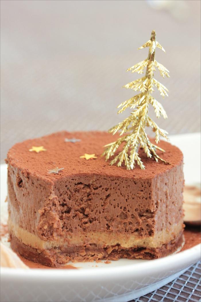 Entremets au chocolat, feuillantine pralinée et crème au café