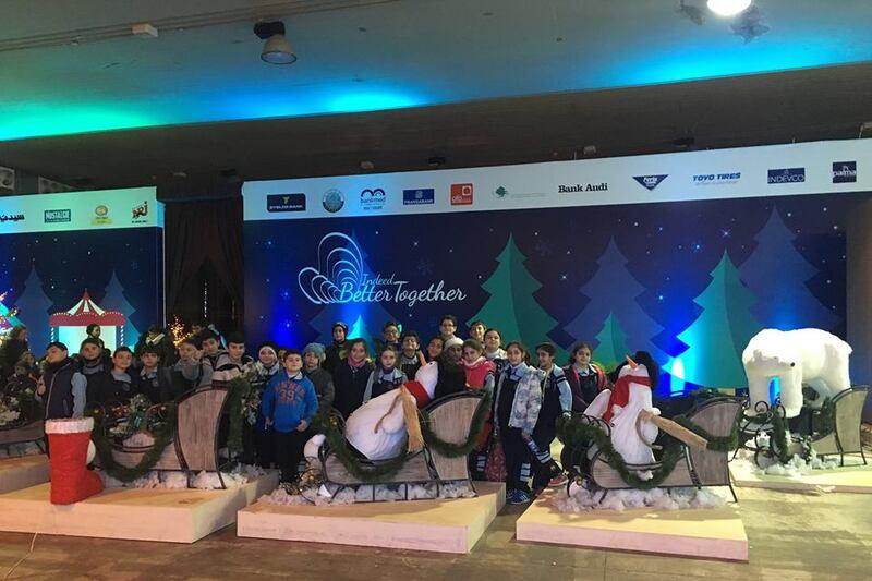 les EB4 et EB5 profitent du Festival de Noel de Tripoli.